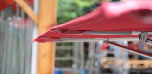detail parasol terrasse sans lambrequin