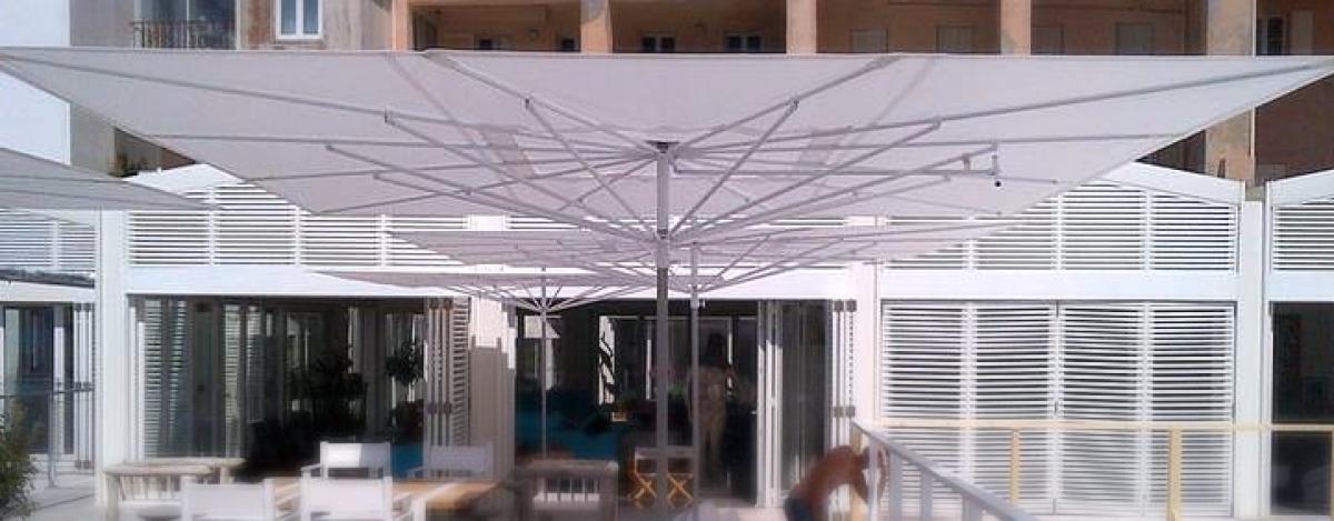 parasol plat bain de mer chaud Marseille