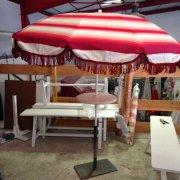 parasol frange rouges