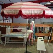 parasols frange et rayures bordeaux